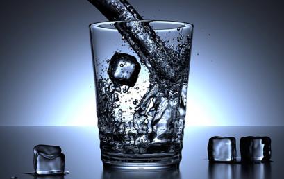 Graphene Sieve Makes Seawater Drinkable